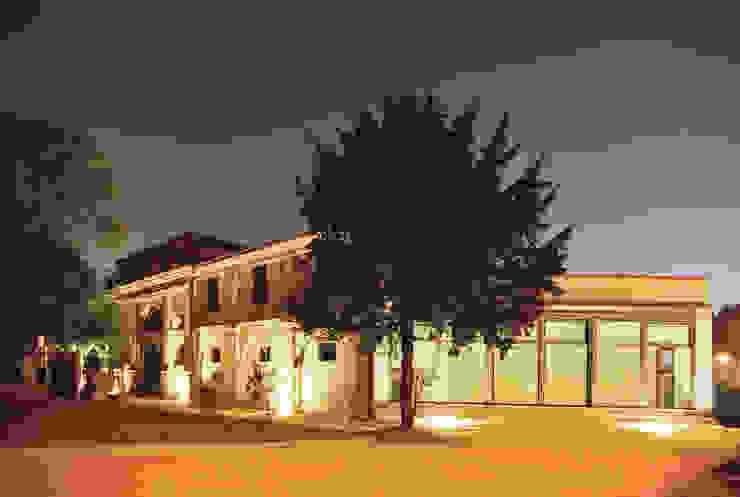 Casas de estilo clásico de Studio Valle architettura e urbanistica Clásico Ladrillos