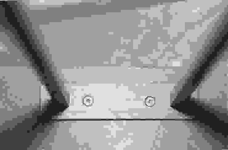Pasillos, halls y escaleras minimalistas de Studio Valle architettura e urbanistica Minimalista Hierro/Acero