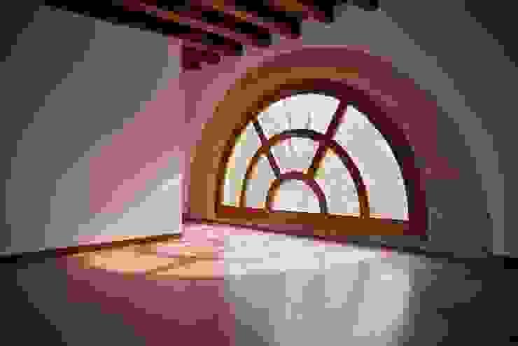 Livings de estilo clásico de Studio Valle architettura e urbanistica Clásico