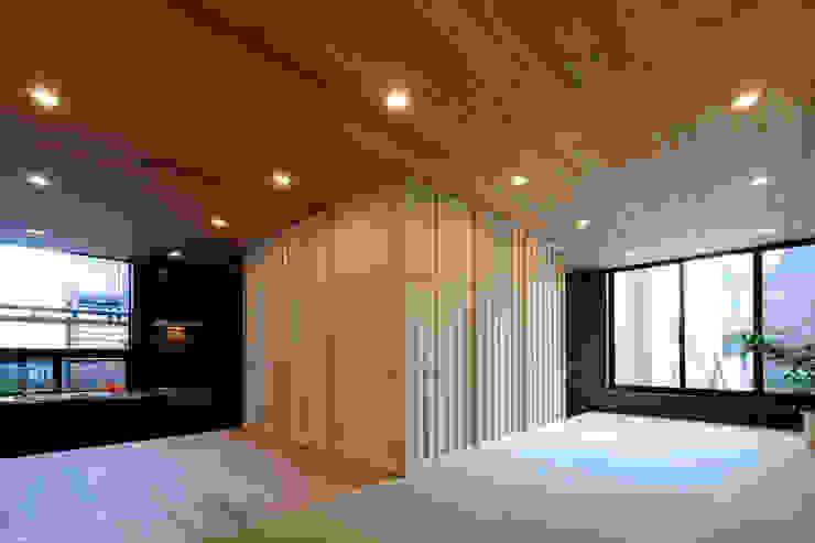 綱島の住宅 ミニマルデザインの リビング の 山本晃之建築設計事務所 ミニマル 紙