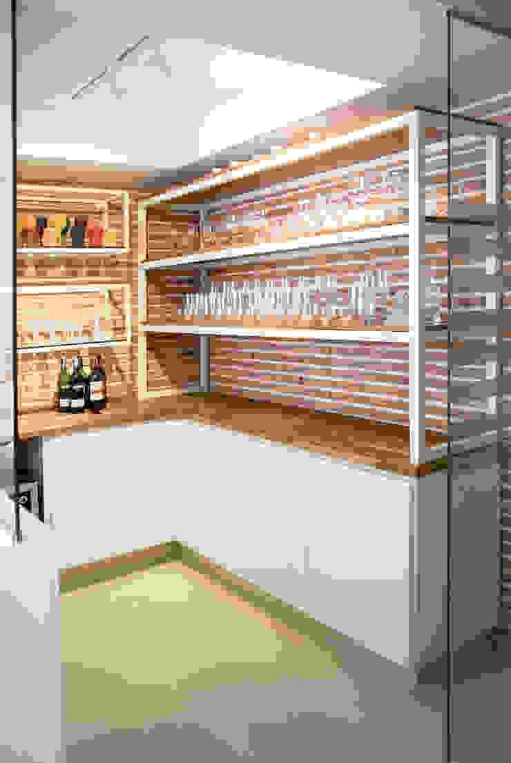 Cava de Vinos Cocinas de estilo moderno de KDF Arquitectura Moderno