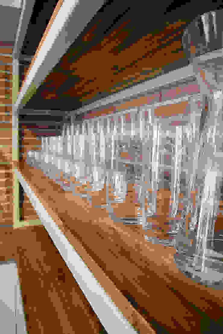Detalle Cava Cocinas de estilo moderno de KDF Arquitectura Moderno