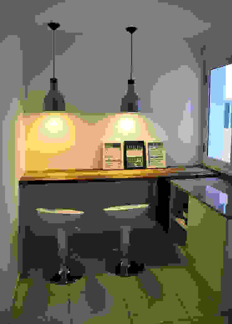 RÜM Proyectos y Diseño KitchenBench tops