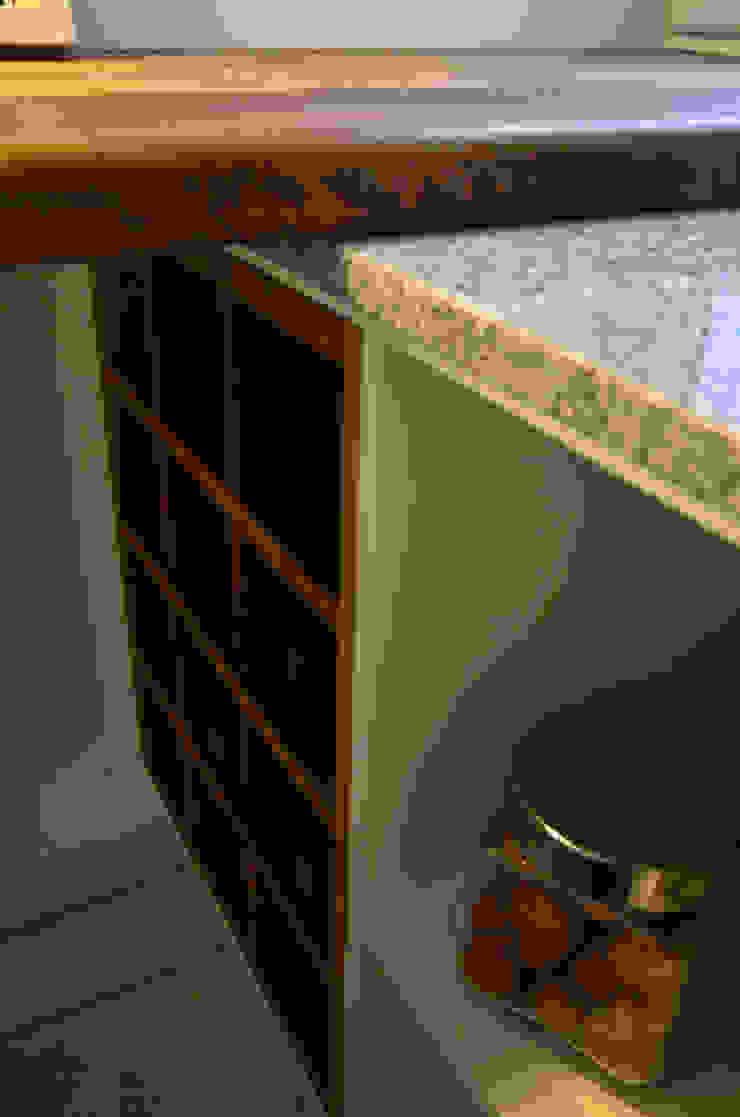 RÜM Proyectos y Diseño KitchenCabinets & shelves