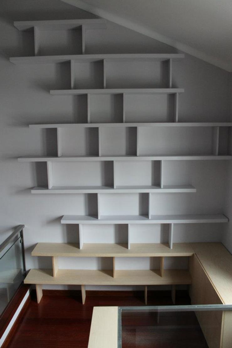 Modern study/office by Pau - Into the wood Modern