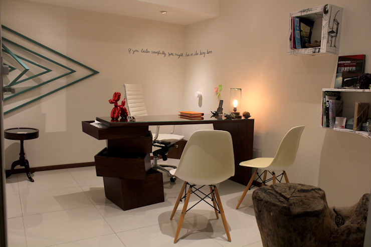 Modern Study Room and Home Office by LC Arquitectura Modern