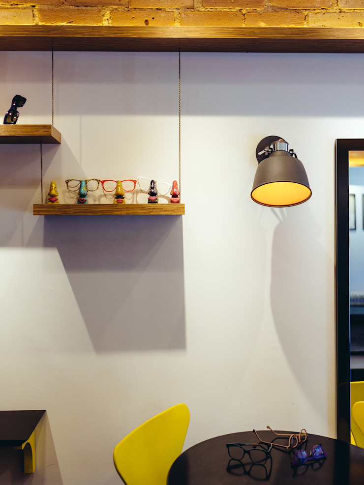 Eric Gozlan Lunettes Espaços comerciais industriais por iS arquitetura Industrial