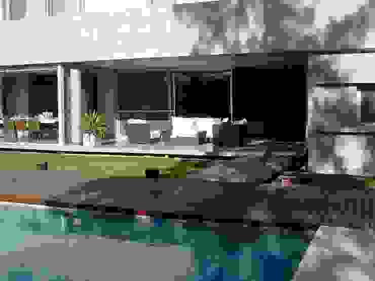 Casa NR by gatarqs Modern