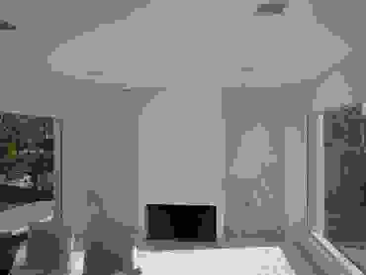 Casa Guinter Livings modernos: Ideas, imágenes y decoración de Estudio d360 Moderno