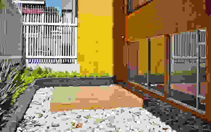 APARTAMENTO 62 Jardines de estilo ecléctico de santiago dussan architecture & Interior design Ecléctico