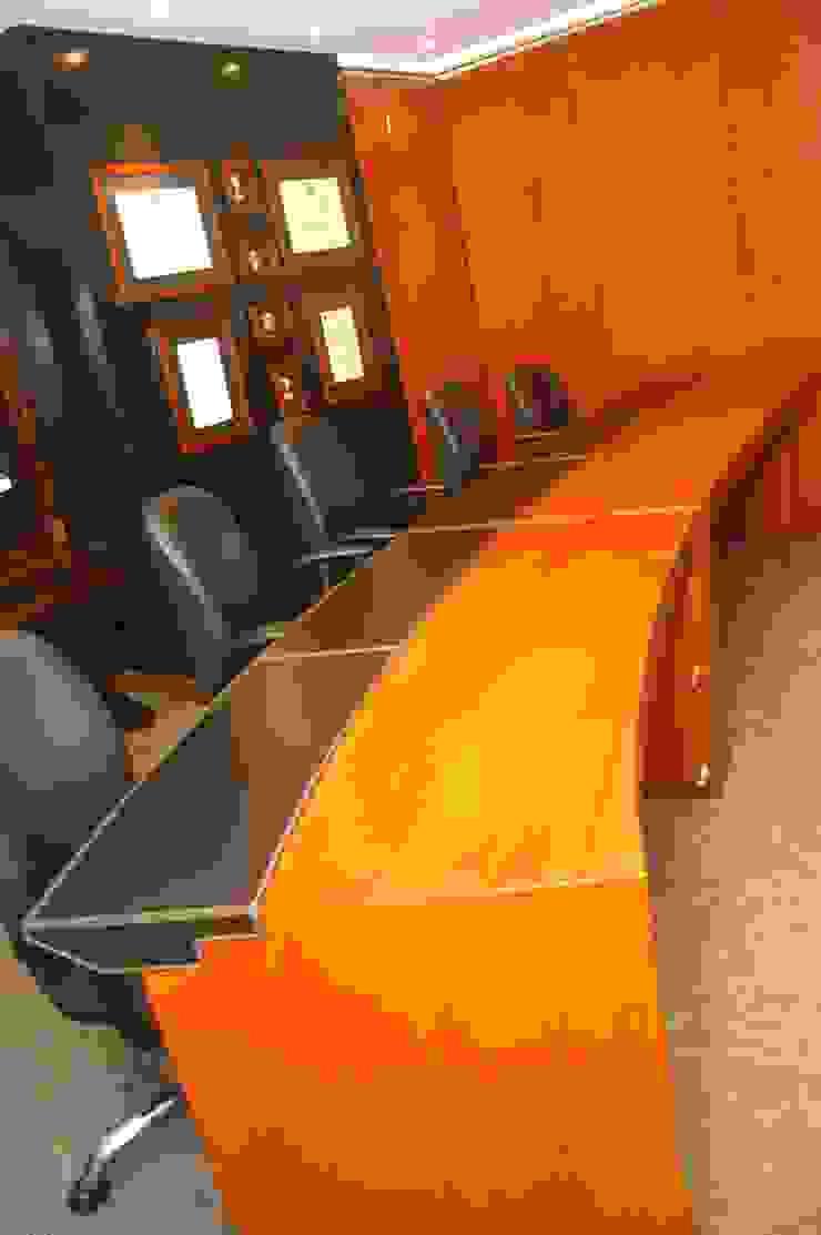 Mesa de sala de juntas de Justiniano Alfonso Moderno Piel Gris