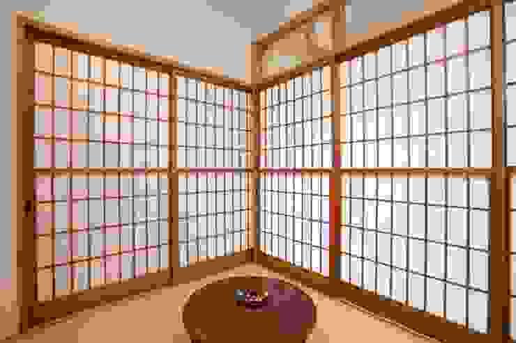 畳の部屋 和風デザインの 多目的室 の アトリエdoor一級建築士事務所 和風 紙