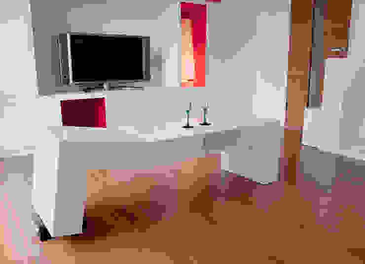 アンテ・ヴォジュノヴィックのローテーブル の アッシュ・ペー・フランス株式会社