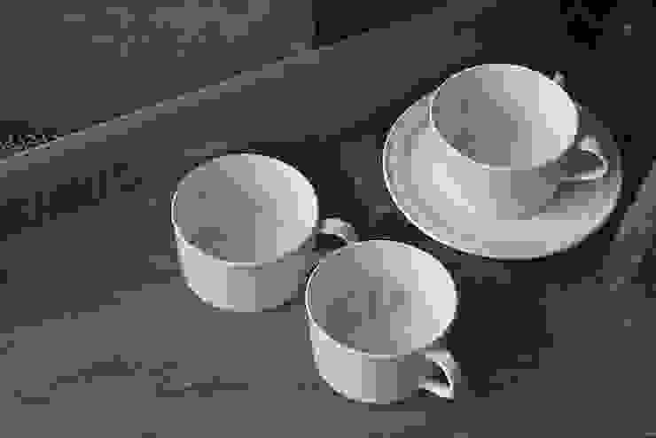 モチーフカップ: モノエが手掛けた現代のです。,モダン 磁器