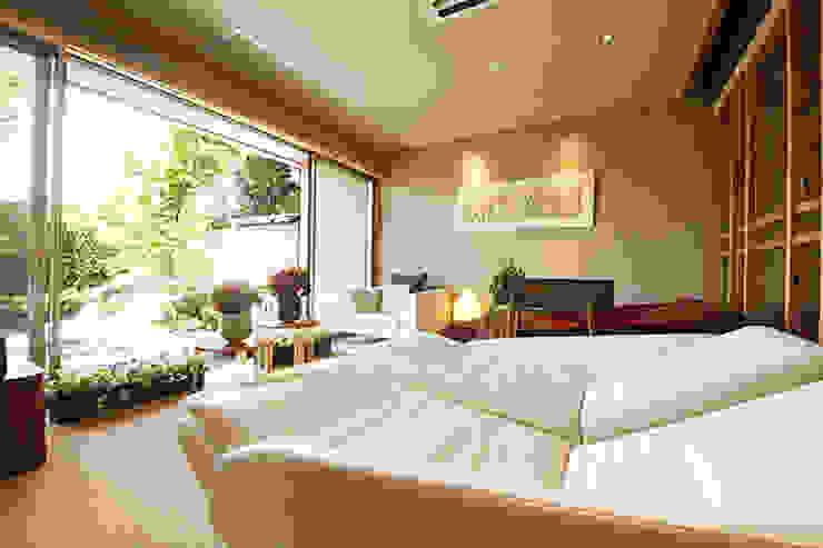 ヒーリングストーンカウチ 導入事例:三重県志摩市 汀渚 ばさら邸様 Healing Stone Couch at Basara-tei, Mie, Japan: 株式会社ヒーリング HEALING. Co., Ltd.が手掛けた折衷的なです。,オリジナル