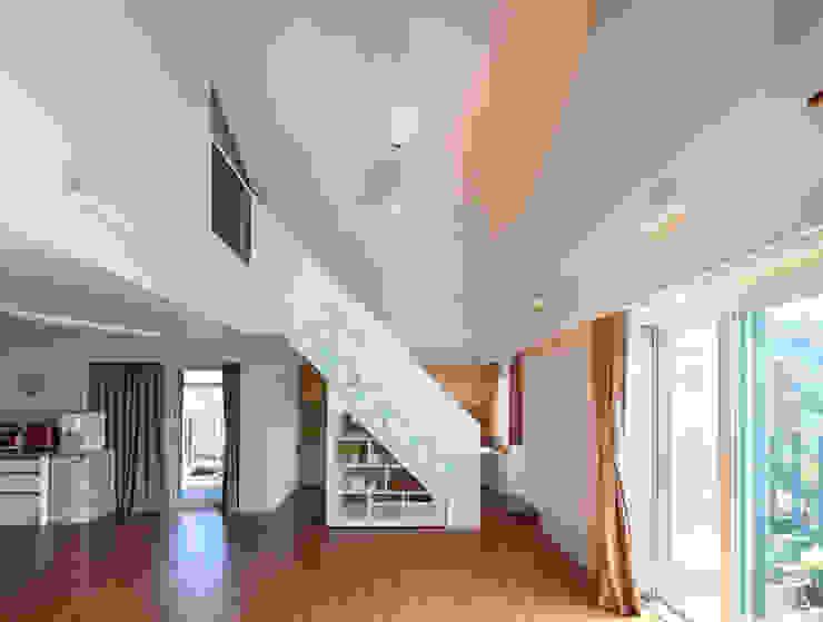 SOOGOOK VILLAGE 모던스타일 복도, 현관 & 계단 by 건축사사무소 오퍼스 모던