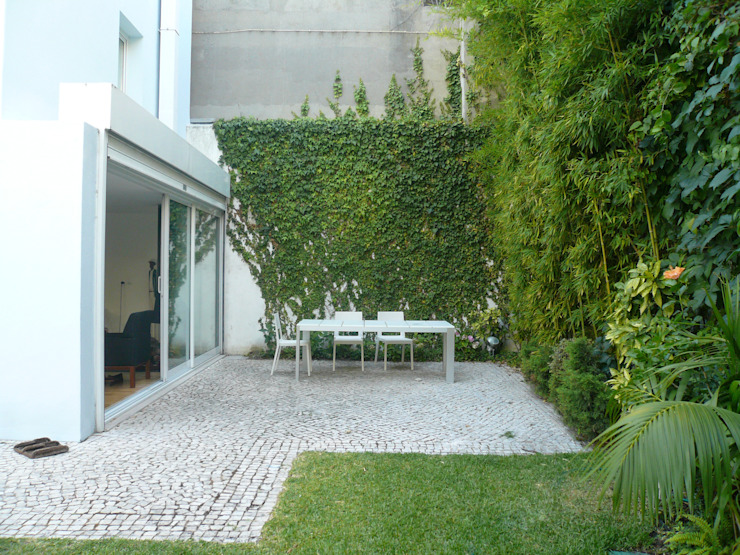 Modern style gardens by Estudio Marta Byrne Paisajismo Modern