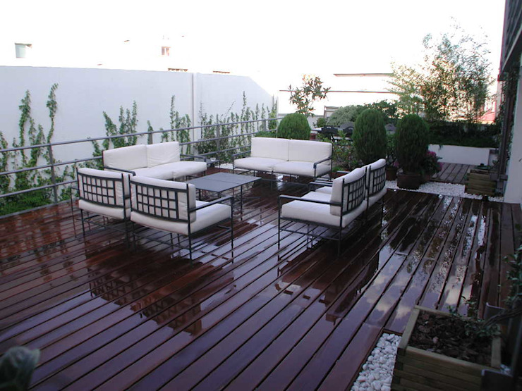 Terraza Madrid Estudio Marta Byrne Paisajismo Balcones y terrazas de estilo moderno