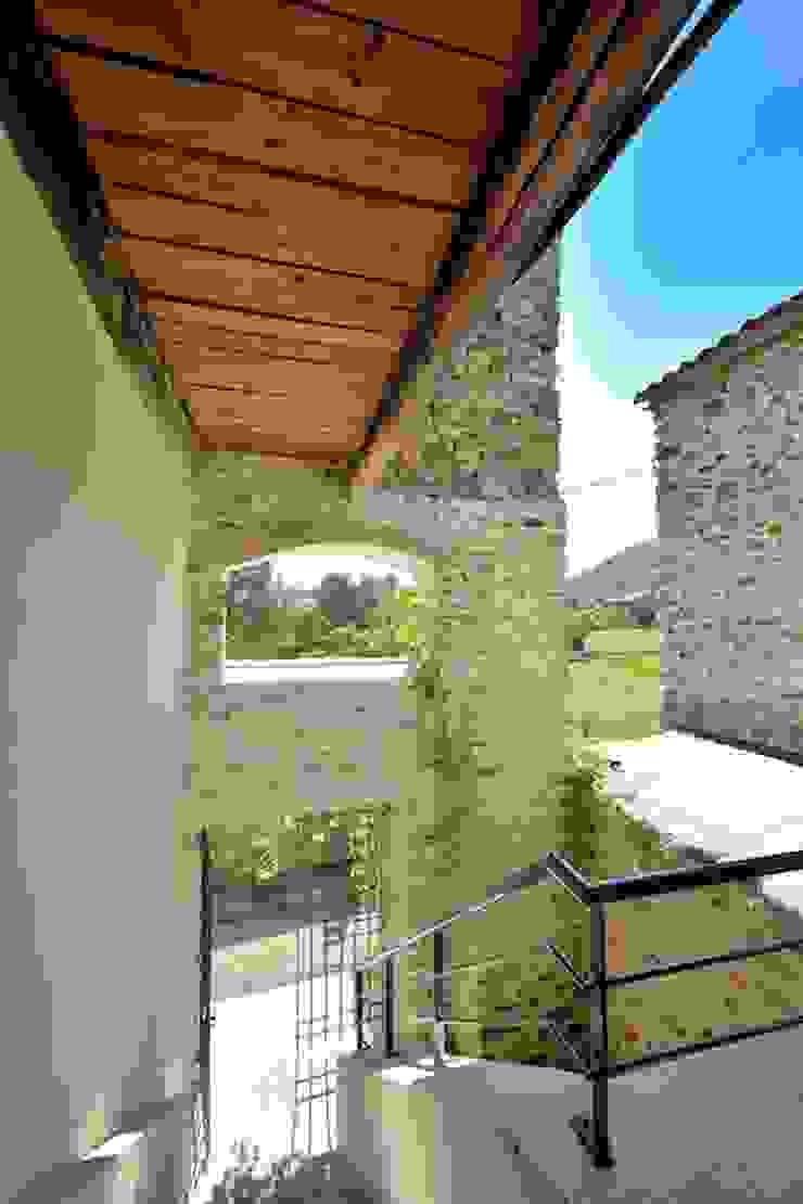 JOSE MARCOS ARCHITECTEUR บ้านและที่อยู่อาศัย Beige