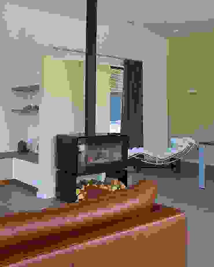 Prachtige villa op bijzonder landgoed in De Achterhoek Moderne woonkamers van ARX architecten Modern