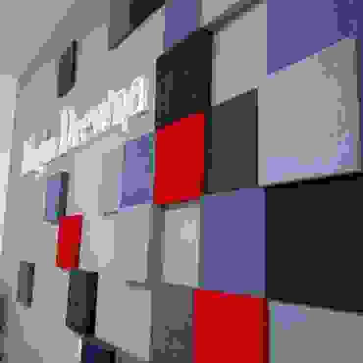 Realizacja.Fluffo PIXEL. Minimalistyczne domowe biuro i gabinet od FLUFFO fabryka miękkich ścian Minimalistyczny