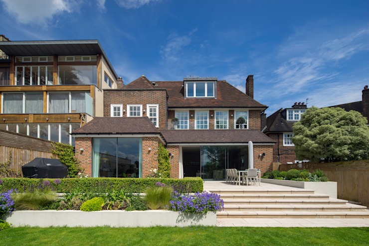 KSR Architects | Hampstead Village Home | Exterior Modern houses by KSR Architects Modern