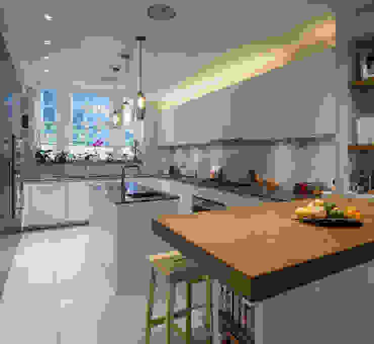 KSR Architects | Hampstead Village Home | Kitchen Modern kitchen by KSR Architects Modern