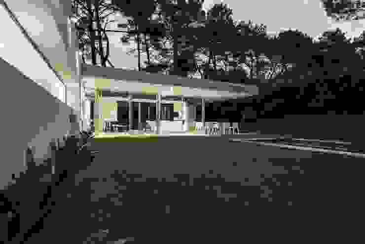 Casa Q2: Terrazas de estilo  por Felipe Gonzalez Arzac