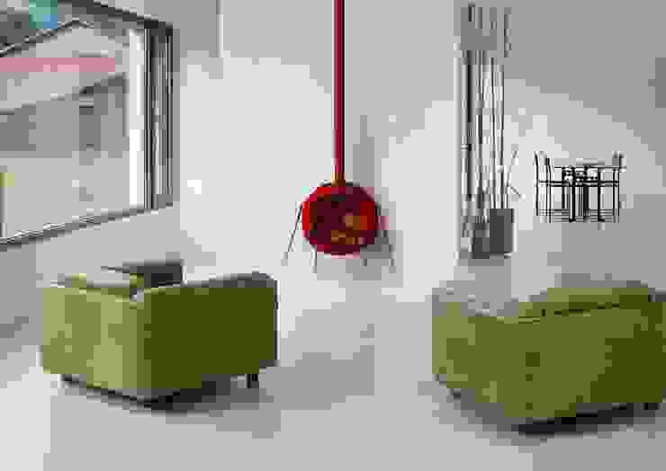 minimalist  by Joana Magalhães Francisco, Minimalist Iron/Steel