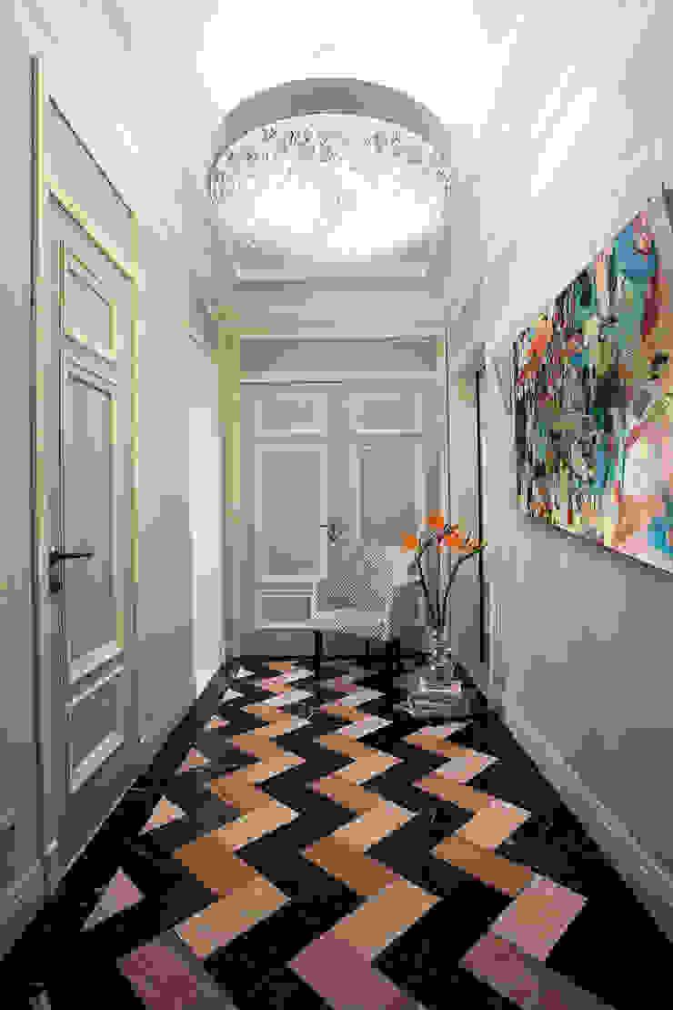 Project Fusion style Коридор, прихожая и лестница в эклектичном стиле от Ekaterina Kozlova Эклектичный Мрамор