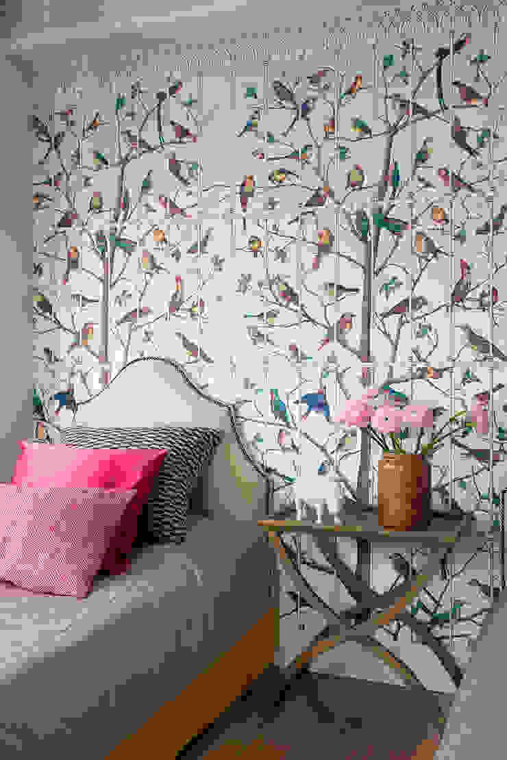 Project Fusion style Детская комнатa в классическом стиле от Ekaterina Kozlova Классический Текстиль Янтарный / Золотой