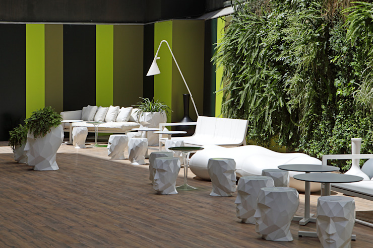Room Mate PAU, Barcelona Hoteles de estilo moderno de Estudio de Arquitectura Teresa Sapey Moderno