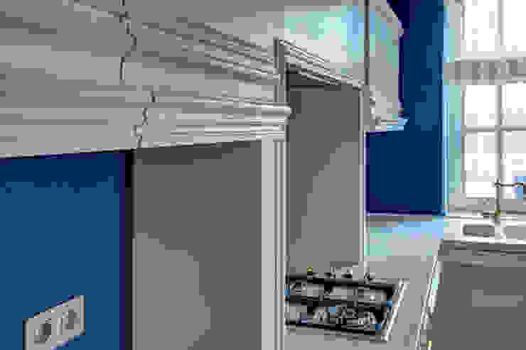 Вид на кухню/1 этаж Кухни в эклектичном стиле от Yucubedesign Эклектичный