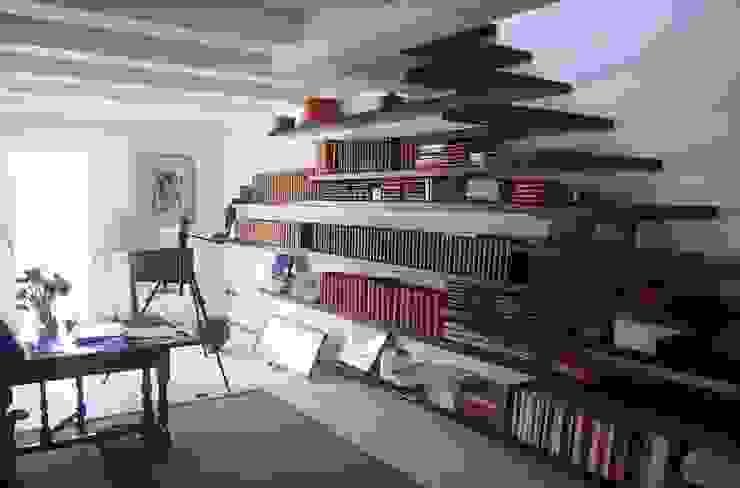 Oficinas de estilo moderno de studi di progettazione riuniti Moderno