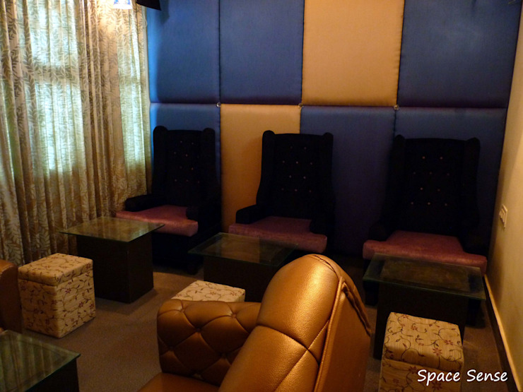 Blitzz Club Eclectic style bars & clubs by Space Sense Eclectic