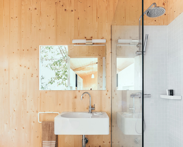 Modern style bathrooms by dom arquitectura Modern