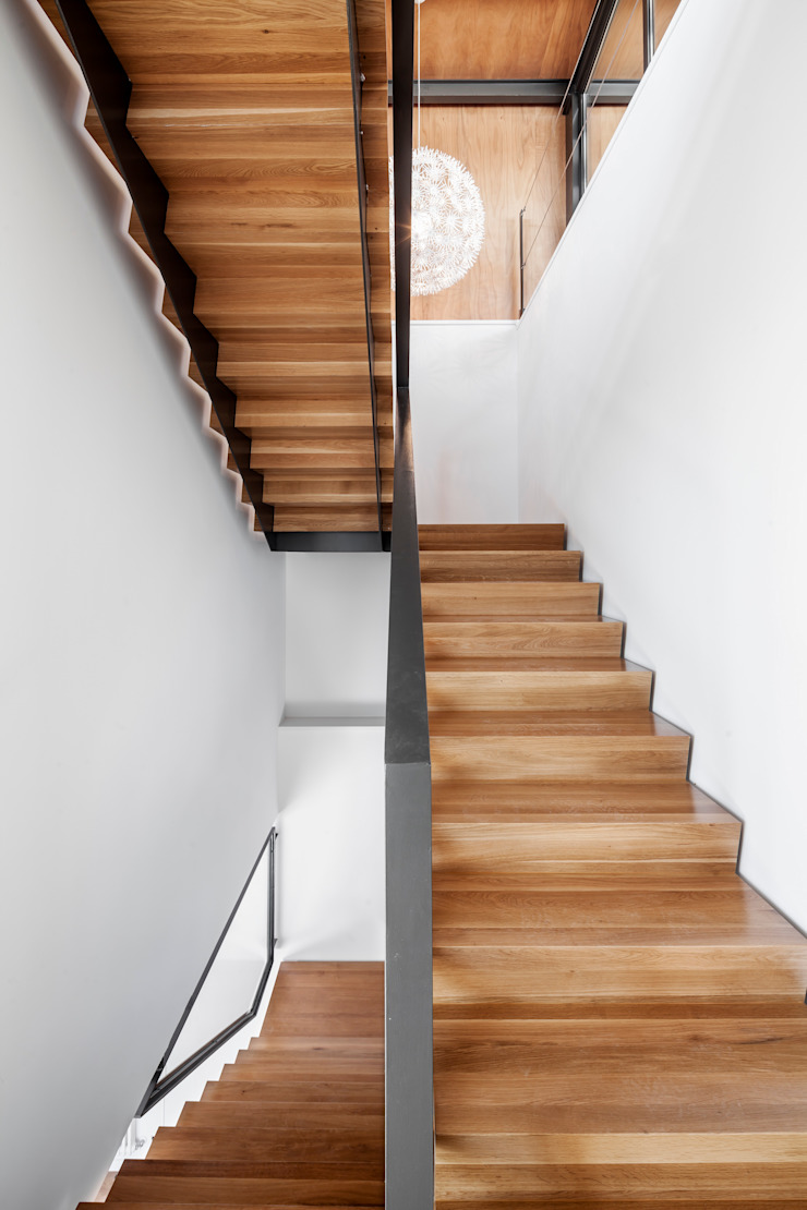 Modern Corridor, Hallway and Staircase by Alex Gasca, architects. Modern