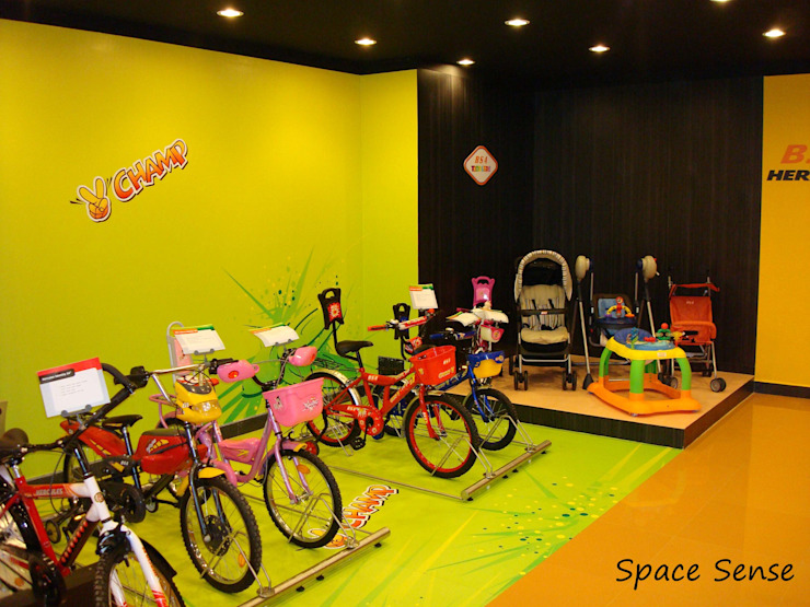 TI cycles corporate office Modern offices & stores by Space Sense Modern