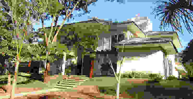 Residência - Cond. Aldeia do Vale Casas modernas por Sandra Kátia Junqueira Moderno