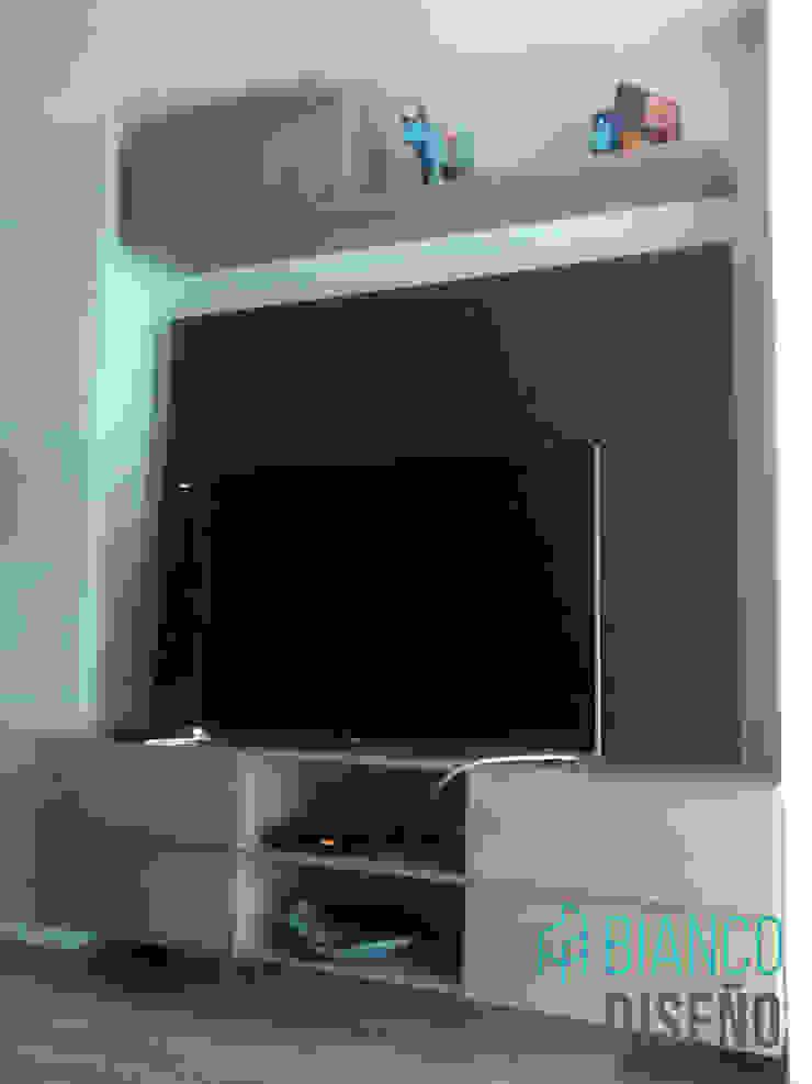 Centro de TV 2 de Bianco Diseño Moderno