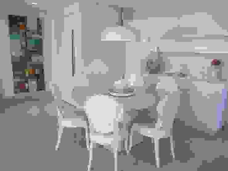Sandra Kátia Junqueira Modern Dining Room