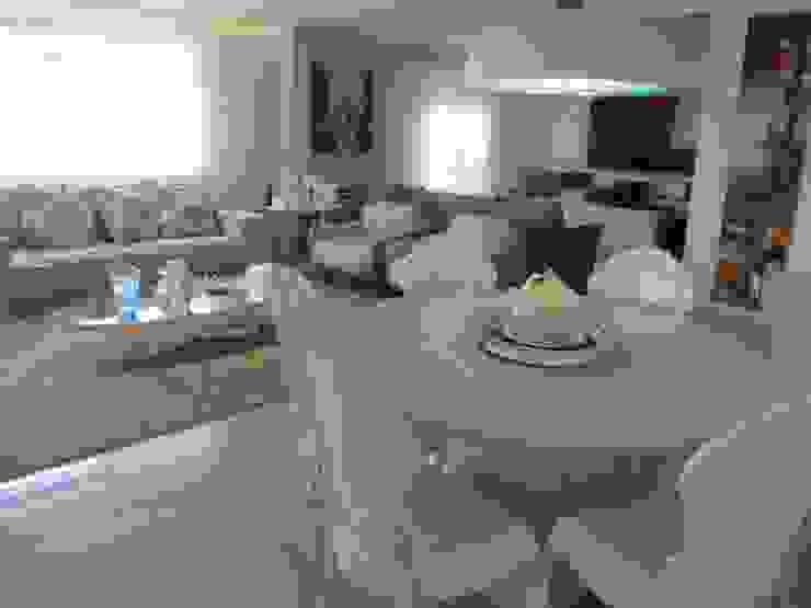 Sandra Kátia Junqueira Modern Study Room and Home Office