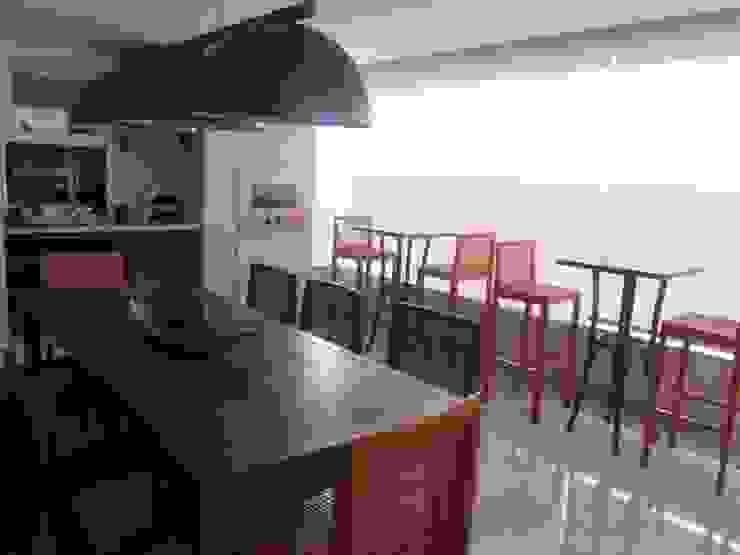 Sandra Kátia Junqueira Modern Terrace