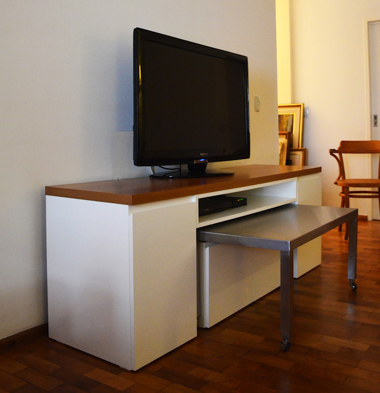 RÜM Proyectos y Diseño Living roomTV stands & cabinets