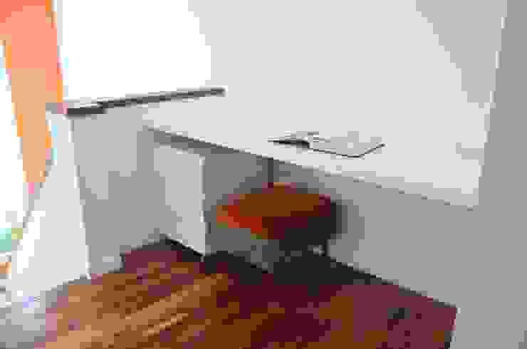 RÜM Proyectos y Diseño Study/officeDesks