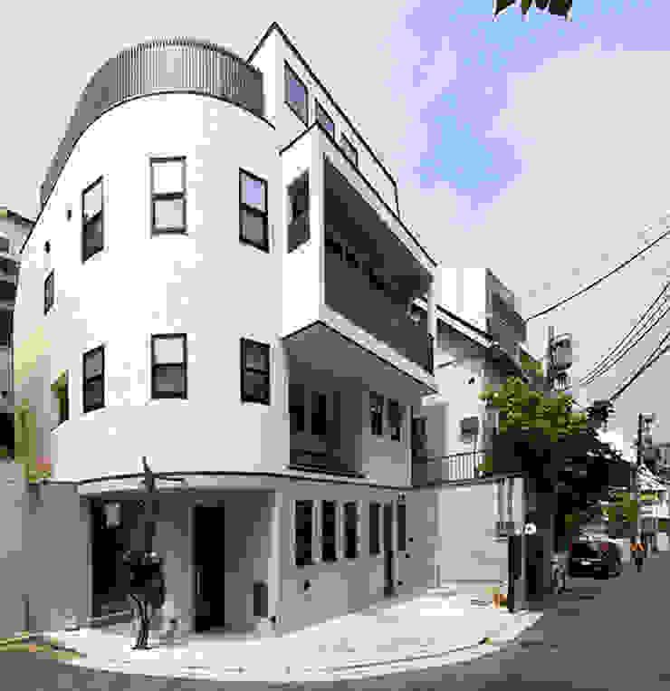 2+3の家 モダンな 家 の 一級建築士事務所あとりえ モダン