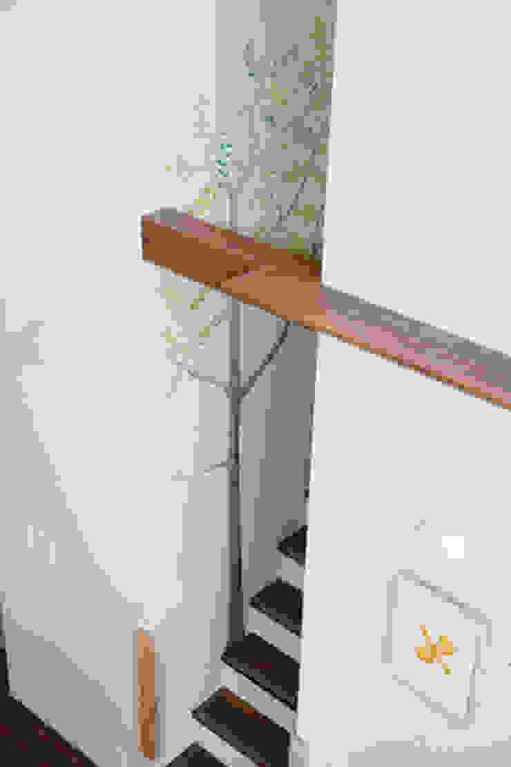 2+3の家 モダンスタイルの 玄関&廊下&階段 の 一級建築士事務所あとりえ モダン