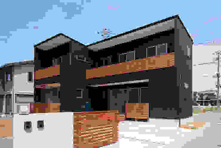 カフェライブラリーの家 モダンな 家 の 一級建築士事務所あとりえ モダン