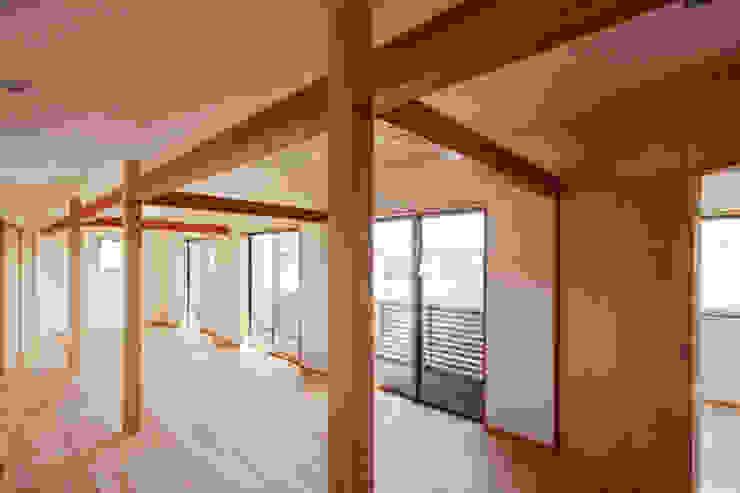 カフェライブラリーの家 モダンスタイルの寝室 の 一級建築士事務所あとりえ モダン