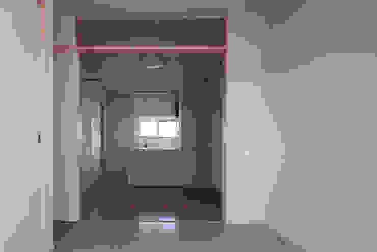カフェライブラリーの家 モダンな キッチン の 一級建築士事務所あとりえ モダン